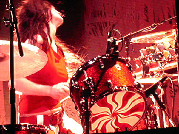 meg white white stripes